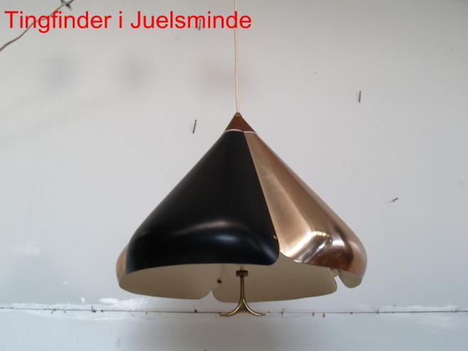 Tingfinder Kobber lampe designet af Jo Hammerborg med hejs Brugt spisebordslampe med top af